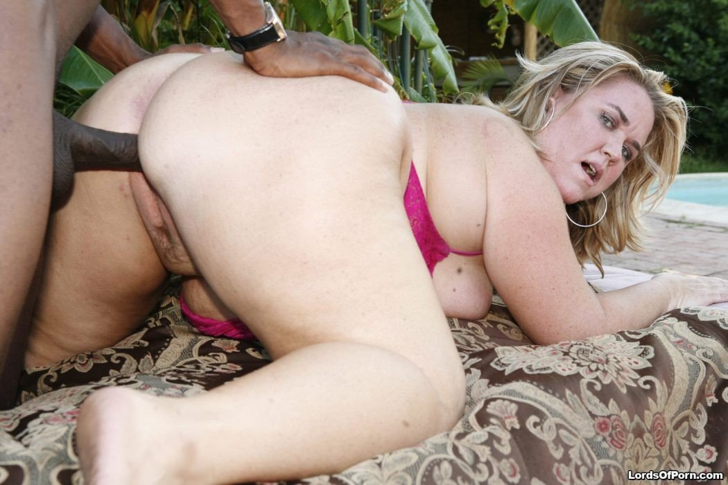 Amateur white thot gangbang and blonde 8