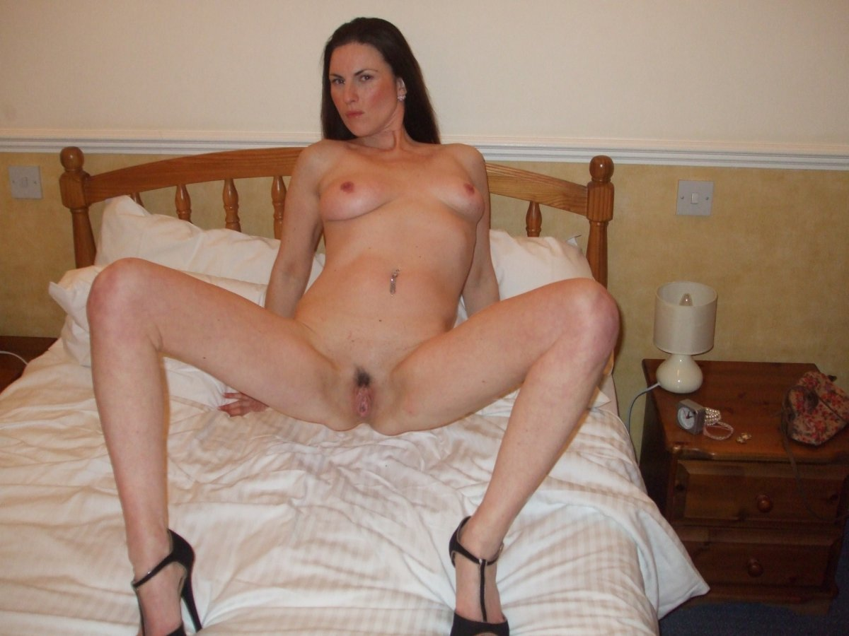 Hot wife talks dirty to husband as friend fucks her 3