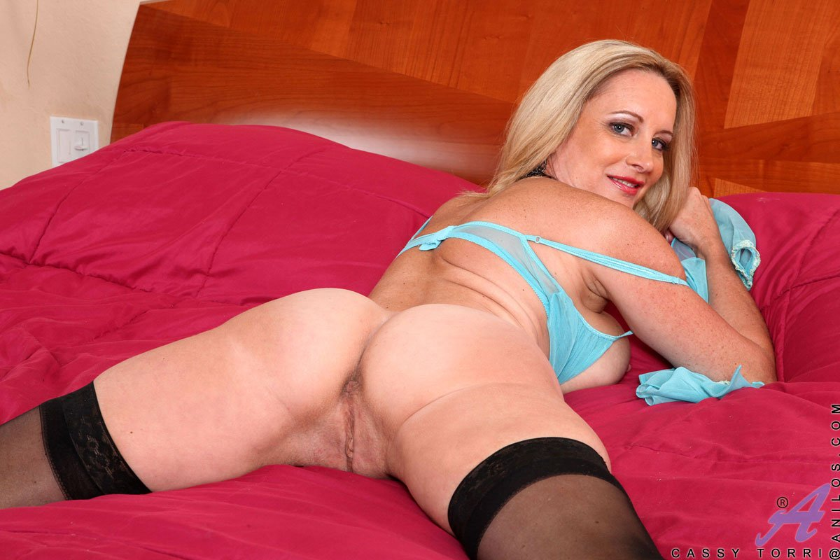 Hot milf from canada fucked by cam77