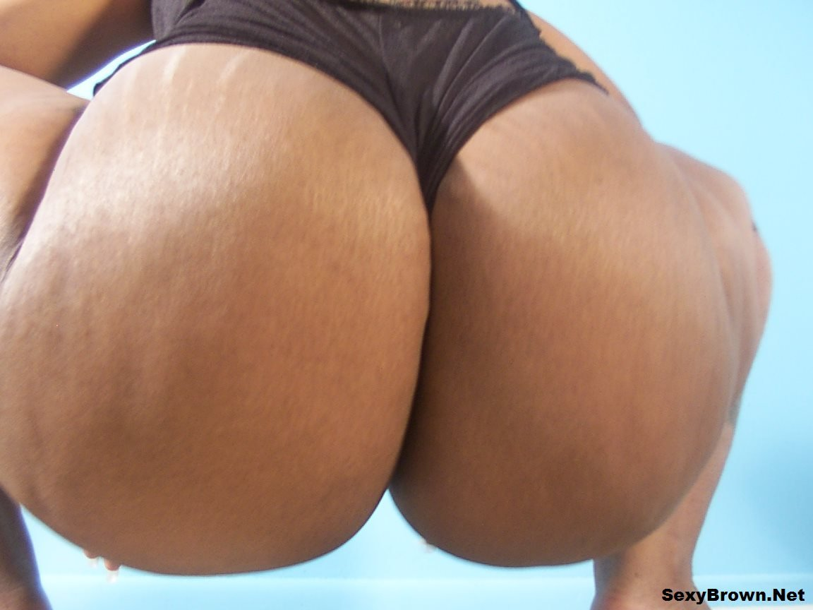 horny big booty babes