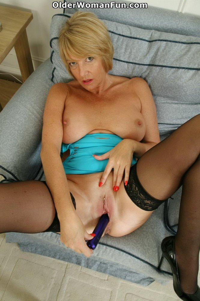 image English gilf amy loves sharing her generous body