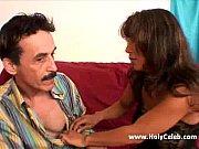 Дрочит мужику в скотче руками видео онлайн