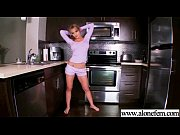 Порно ролики пришел к девушке и трахнул ее маму