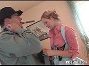 Девушка высасывает юношу