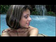 Молодые голые тетки с большой грудью видео