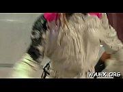 Девка засунула грязный тампон в рот мужику видео