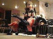Девушки лижут анал фото