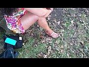 Как девушки мастурбируют свои киски перед камерой