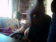 Брат с сестрой в комнате трахавются дома на кровати