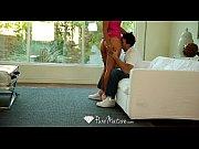 Первая брачная ночь девственность короткое видео