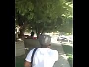 Парнуха сильно возбуждающие большие сиськи