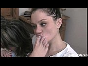 Порно жена сосет на улице при муже