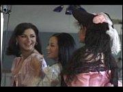 Порнуха отдых вечеринки групп студентов молодых массаж видео