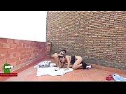 Видео двое с большими членами трахают девушку