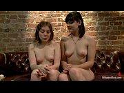 Видео девушка с фаллоимитатором