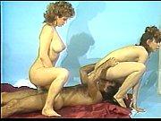 Девушки показывают влагалище крупным планом на осмотре у гинеколога видео
