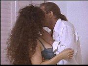 Порно видео с длинноногой и сисястой тёлкой