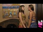 Две лесбиянки в серых трусиках