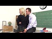 Порно видео девушка показывает письку а парень дрочит член