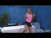 Смотреть видео девушка меряет туфли с рабом
