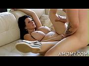 порно с маминой зрелой подругой