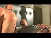 Порно мастурбирует кончают в латекс