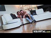 Лесбиянки используют ноги и самотык