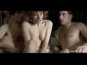 Видео как одеваются женшины ню