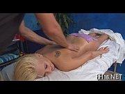 Порно блондинки с большими сиськами мужики сосущие сиськи