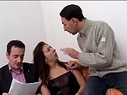Видео девушки сидят на лице у мужчин