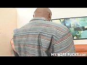 Смотреть порно видео парень пристает к матери друга