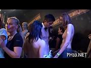 Секс с девушками в купальниках