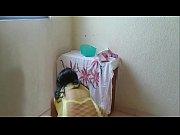 Девушка снимает себя голой на веб камеру
