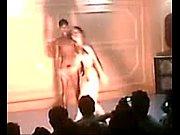 Девушка соблазняет женщину порно видео