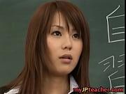 美人女教師が教室でイジられまくって集団レイプ被害