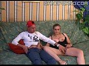 Девушка заставляет парня сосать член