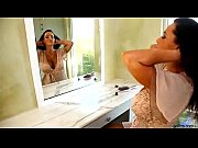 Picture Pretty Pornstar Lisa Ann Dirty Milf Shower