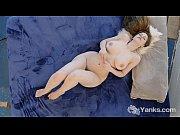 Эротическое видео мать обучает сексу сына и дочь