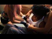 Сделано в домашних условиях-смелое открытое порно видео частное порно молодой семейной парочки