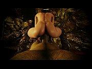Видео девушка засовывает себе в жопу монеты