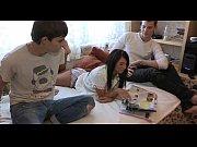 Девушки дома снимают бикини видео