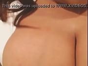 Видео смотреть девушки отрезают парню яйца