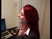 Девушка в латексе показывает письку видео