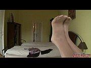 Порно видео мужик залез под стол и доставил языком кайф девахи