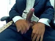 Порно ролик хозяйки трахают своих рабов старпон
