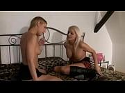 Двое мужчин и одна девушка смотреть онлайн