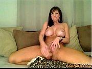 Сексуальная голая девушка со шрамом на животе