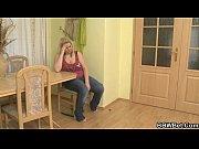 Ебут молоденьких девочек видео