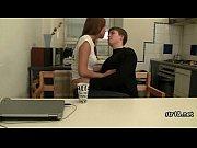 Смотреть онлайн видео порнуха племянник и тетя на кресле