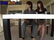 Смотреть онлайн парень трахает двух красивых девушек